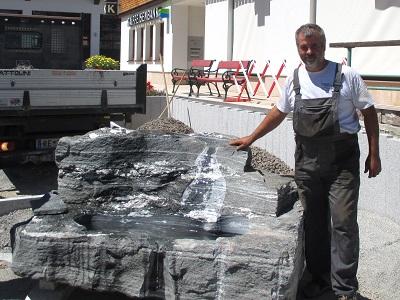 Steinmetz Lustenau Dornbirn Bregenz Feldkirch Bludenz Vorarlberg Dorf Brunnen  Stein Brunnen Gartenbrunnen Vorarlberg Steinmetz